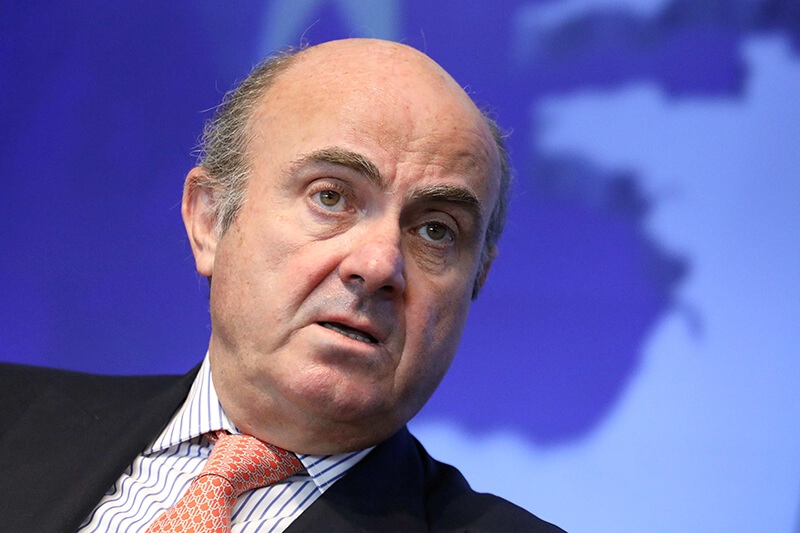 Luis de Guindos, vicepresidente del Banco Central Europeo, habla durante un evento de Reuters Breakingviews en Nueva York, Estados Unidos, el 25 de abril de 2019