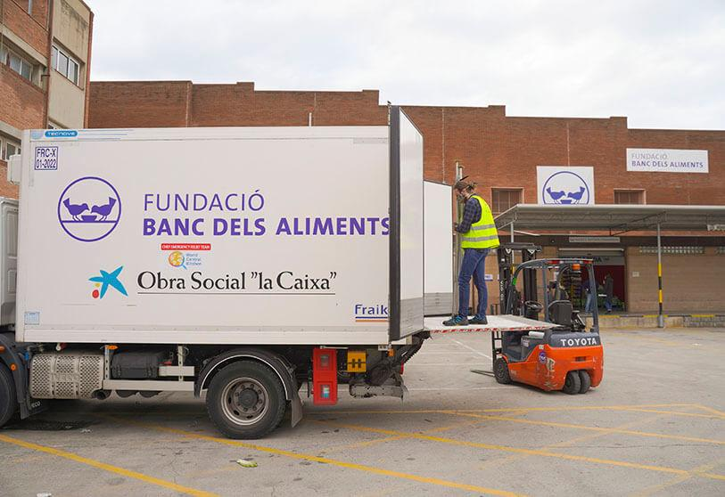 3,600 tons of basic foodstuffs have been obtained and distributed among the 54 Food Banks, partners in the Spanish Federation of Food Banks (FESBAL), to help thousands of people in vulnerable situations