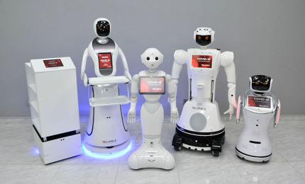 Robots that detect fever, distribute hand sanitizer, sterilize spaces, deliver supplies and even answer medical questions about the coronavirus are a business option that some robotics companies have found in the new scenario that is opening with the COVID-19